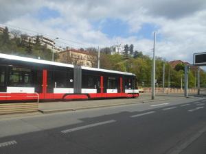 Tramvajová zastávka Kavalírka